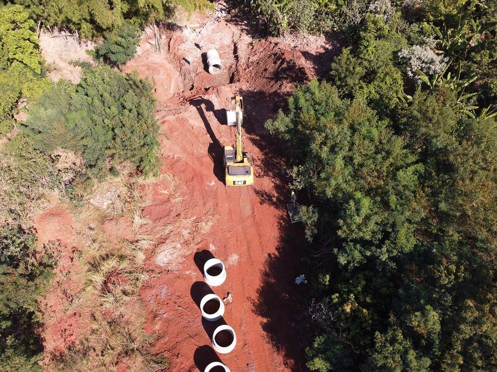 Prefeitura amplia drenagem em área ambiental no Indaiá